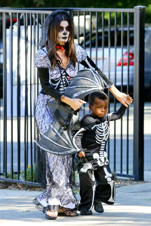 ¡Más de una idea para disfrazarte en familia! | Mamá Extrema Sandra Bullock S Son