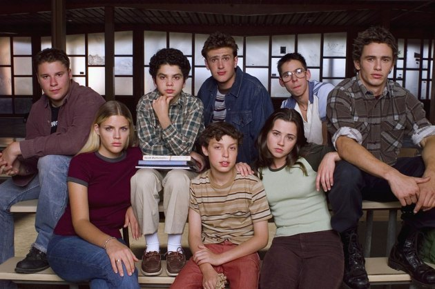 cn_image-size_-freaks-and-geeks-group-then-and-now