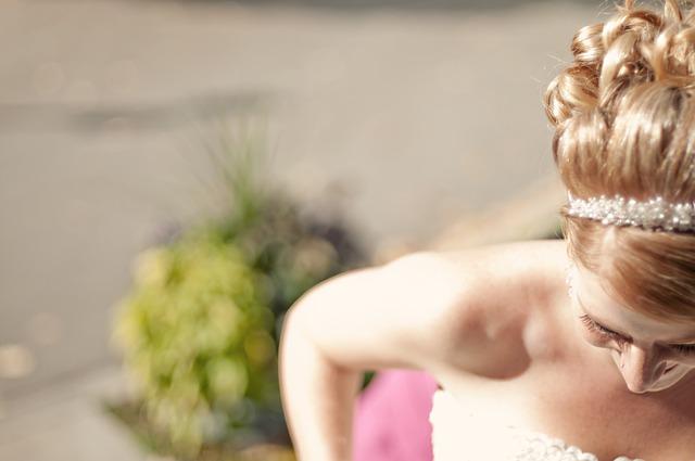 bride-1209981_640