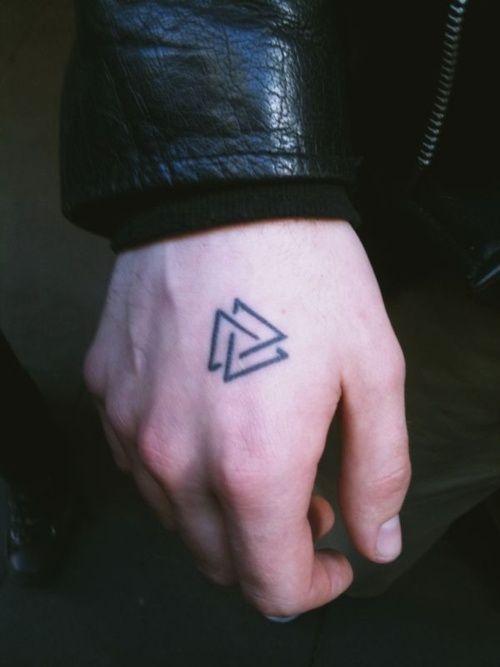 tatuajes-hombre-mano
